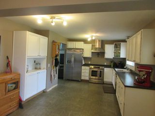 Photo 3: 8908 GLENWOOD STREET in Chilliwack: Chilliwack W Young-Well House for sale : MLS®# R2060442