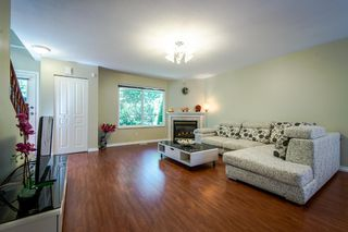 Photo 5: 8 15488 101A Ave Surrey Townhouse for sale, 3 bed 2.5 Bath