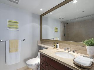 Photo 9: 406 590 NICOLA STREET in Vancouver: Coal Harbour Condo for sale (Vancouver West)  : MLS®# R2302772