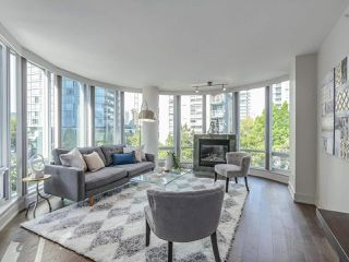 Photo 15: 406 590 NICOLA STREET in Vancouver: Coal Harbour Condo for sale (Vancouver West)  : MLS®# R2302772