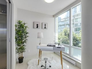 Photo 14: 406 590 NICOLA STREET in Vancouver: Coal Harbour Condo for sale (Vancouver West)  : MLS®# R2302772