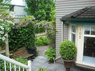 Photo 2: 105 257 E Keith Road in : Lower Lonsdale Townhouse for sale (North Vancouver)  : MLS®# V894461