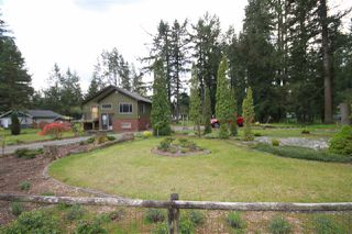 Photo 3: 19956 24 Avenue in Langley: Brookswood Langley House for sale : MLS®# R2452998