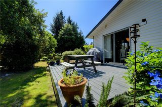 Photo 17: 7033 Brooks Pl in : Sk Whiffin Spit Single Family Detached for sale (Sooke)  : MLS®# 850619