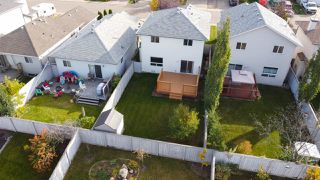Photo 4: 19040 47 Avenue in Edmonton: Zone 20 House for sale : MLS®# E4216136