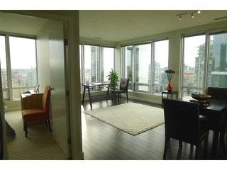 "Photo 18: 1601 989 NELSON Street in Vancouver: Downtown VW Condo for sale in ""THE ELECTRA"" (Vancouver West)  : MLS®# V929177"