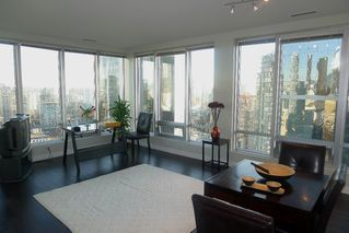 "Photo 1: 1601 989 NELSON Street in Vancouver: Downtown VW Condo for sale in ""THE ELECTRA"" (Vancouver West)  : MLS®# V929177"