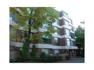 "Photo 1: 106 2140 BRIAR Avenue in Vancouver: Quilchena Condo for sale in ""ARBUTUS VILLAGE"" (Vancouver West)  : MLS®# V942272"