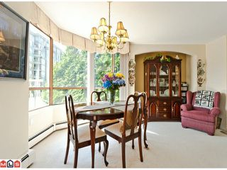 Photo 3: 201 15111 RUSSELL Avenue: White Rock Condo for sale (South Surrey White Rock)  : MLS®# F1220367