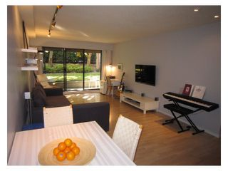 """Photo 5: # 107 2424 CYPRESS ST in Vancouver: Kitsilano Condo for sale in """"CYPRESS GARDENS"""" (Vancouver West)  : MLS®# V975899"""