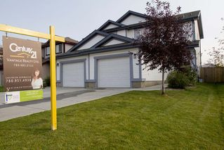 Photo 1: 343 Summerton Crescent NW in Sherwood Park: House Duplex for sale