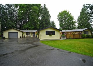 "Photo 1: 20612 94B Avenue in LANGLEY: Walnut Grove House for sale in ""WALNUT GROVE"" (Langley)  : MLS®# F1312050"