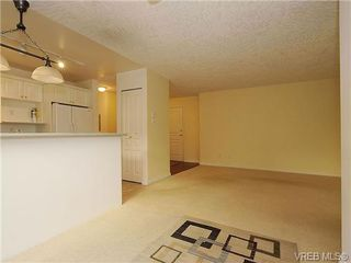 Photo 10: 102 1037 Richardson Street in VICTORIA: Vi Fairfield West Condo Apartment for sale (Victoria)  : MLS®# 327924