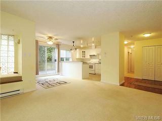 Photo 4: 102 1037 Richardson Street in VICTORIA: Vi Fairfield West Condo Apartment for sale (Victoria)  : MLS®# 327924