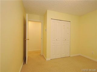 Photo 12: 102 1037 Richardson Street in VICTORIA: Vi Fairfield West Condo Apartment for sale (Victoria)  : MLS®# 327924