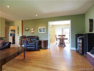 Photo 9: 521 Hallsor Drive in VICTORIA: Co Wishart North Residential for sale (Colwood)  : MLS®# 326745
