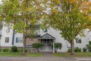 Photo 2: 301 17695 58 AVENUE in Surrey: Cloverdale BC Condo for sale (Cloverdale)  : MLS®# R2007220