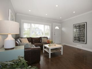 Photo 3: 2807 ETON STREET in Vancouver: Hastings East House for sale (Vancouver East)  : MLS®# R2058738
