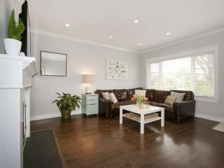 Photo 2: 2807 ETON STREET in Vancouver: Hastings East House for sale (Vancouver East)  : MLS®# R2058738