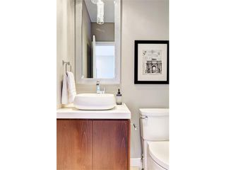 Photo 3: 3022 34 ST SW in Calgary: Killarney/Glengarry House for sale : MLS®# C4063088
