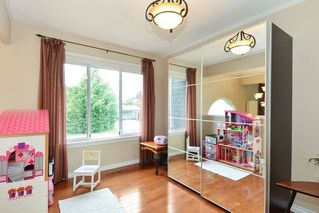 Photo 3: 1914 FLOWER ROAD in Surrey: King George Corridor House for sale (South Surrey White Rock)  : MLS®# R2251629