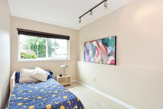 Photo 18: 1914 FLOWER ROAD in Surrey: King George Corridor House for sale (South Surrey White Rock)  : MLS®# R2251629