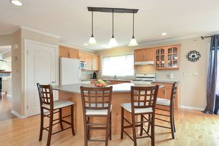 Photo 5: 1914 FLOWER ROAD in Surrey: King George Corridor House for sale (South Surrey White Rock)  : MLS®# R2251629