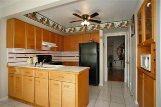 Photo 5: 1829 PILGRIMS Way in : 1007 - GA Glen Abbey FRH for sale (Oakville)  : MLS®# OM2003008