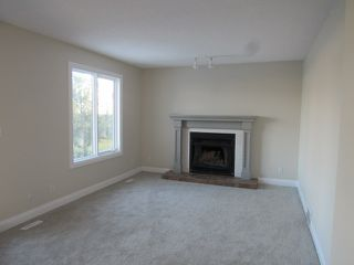 Photo 11: 4332 27 Street NW in Edmonton: House for rent