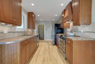 Photo 11: 15256 86 Avenue in Edmonton: Zone 22 House for sale : MLS®# E4166434