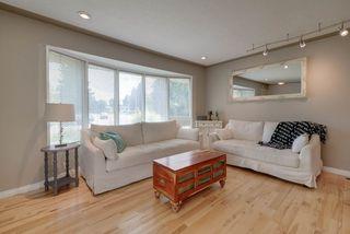 Photo 3: 15256 86 Avenue in Edmonton: Zone 22 House for sale : MLS®# E4166434