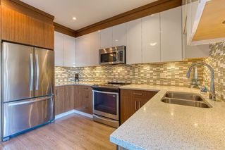"""Photo 2: 96 20860 76 Avenue in Langley: Willoughby Heights Townhouse for sale in """"LOTUS"""" : MLS®# R2401718"""