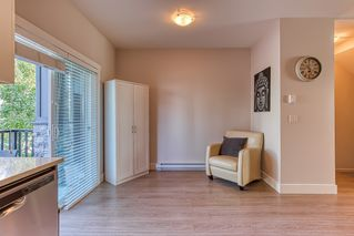 """Photo 4: 96 20860 76 Avenue in Langley: Willoughby Heights Townhouse for sale in """"LOTUS"""" : MLS®# R2401718"""