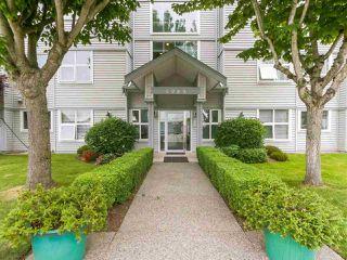 "Photo 2: 311 4989 47 Avenue in Delta: Ladner Elementary Condo for sale in ""PARK REGENT ESTATES"" (Ladner)  : MLS®# R2421936"