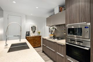 """Photo 10: 107 181 W 1ST Avenue in Vancouver: False Creek Condo for sale in """"BROOK"""" (Vancouver West)  : MLS®# R2422787"""