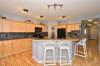 Photo 11: 121 EVERWOODS Court SW in Calgary: Evergreen Detached for sale : MLS®# C4306108