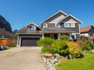 "Main Photo: 38623 CHERRY Drive in Squamish: Valleycliffe House for sale in ""Ravens Plateau"" : MLS®# R2480344"