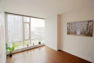 """Photo 14: 1117 161 W GEORGIA Street in Vancouver: Downtown VW Condo for sale in """"Cosmo"""" (Vancouver West)  : MLS®# R2502361"""
