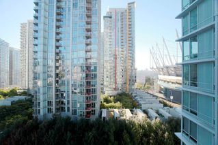 """Photo 11: 1117 161 W GEORGIA Street in Vancouver: Downtown VW Condo for sale in """"Cosmo"""" (Vancouver West)  : MLS®# R2502361"""