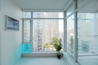 """Photo 9: 1117 161 W GEORGIA Street in Vancouver: Downtown VW Condo for sale in """"Cosmo"""" (Vancouver West)  : MLS®# R2502361"""