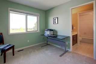 Photo 30: 55 Stratton Crescent SW in Calgary: Strathcona Park Detached for sale : MLS®# A1040233