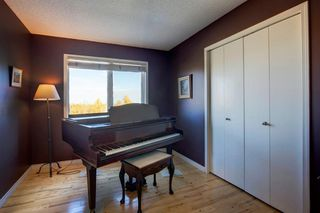 Photo 18: 55 Stratton Crescent SW in Calgary: Strathcona Park Detached for sale : MLS®# A1040233