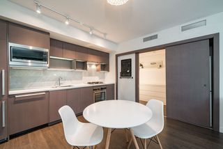 Photo 7: 917 68 SMITHE Street in Vancouver: Downtown VW Condo for sale (Vancouver West)  : MLS®# R2519013