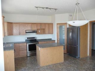Photo 3: 92 COACH HILL Road in Winnipeg: Residential for sale (Canada)  : MLS®# 1119442