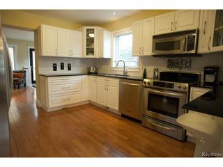 Photo 6: 134 Harrowby Avenue in WINNIPEG: St Vital Residential for sale (South East Winnipeg)  : MLS®# 1420908