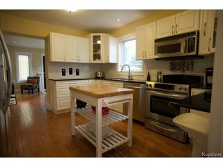 Photo 4: 134 Harrowby Avenue in WINNIPEG: St Vital Residential for sale (South East Winnipeg)  : MLS®# 1420908