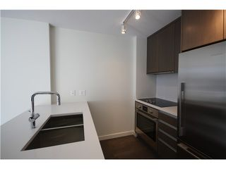 Photo 3: 606 1009 harwood Street in Vancouver: Condo for sale : MLS®# V1094050