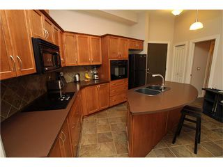 Photo 5: #107 3101 34 AV NW in Calgary: Varsity Condo for sale : MLS®# C4054624