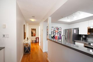 """Photo 8: 301 1128 QUEBEC Street in Vancouver: Downtown VE Condo for sale in """"CITY GATE"""" (Vancouver East)  : MLS®# R2401040"""