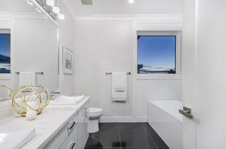 Photo 13: 16695 31B Avenue in Surrey: Grandview Surrey House for sale (South Surrey White Rock)  : MLS®# R2405802